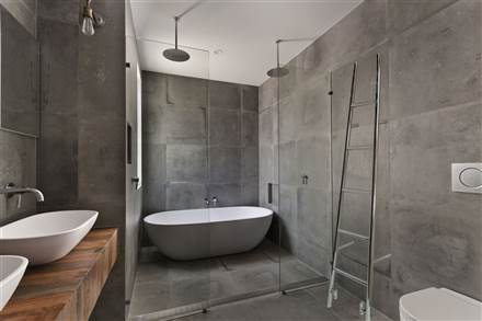 JIS Sussex Rye Tilting Electric Towel Rail