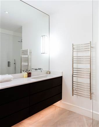 JIS Sussex Ashdown electric towel rail