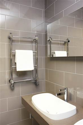 Vogue Venture Heated Towel Rail CN022